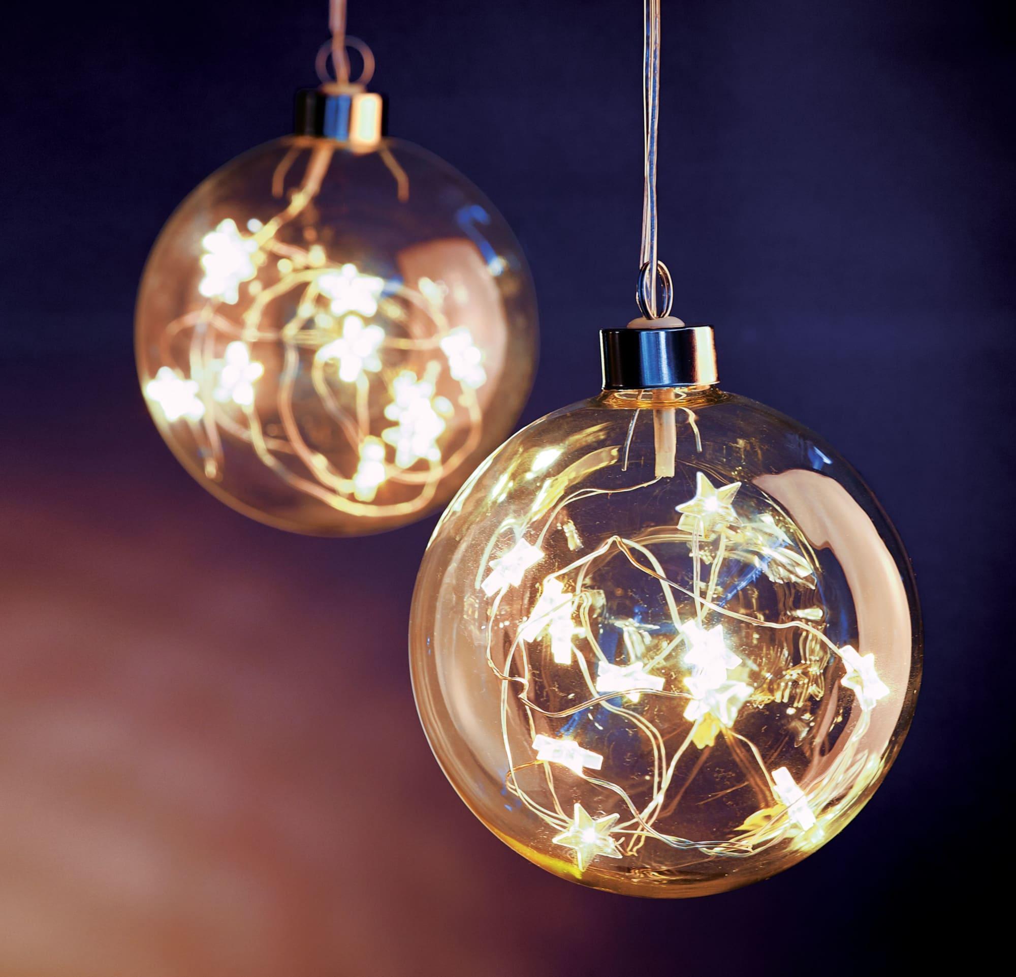 LED Weihnachtskugel mit Sternen