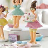 Deko-Figur Cupcake Candy, mit Torte, Polyresin, ca. L7 x B8 x H17 cm Katalogbild