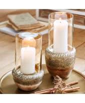 Windlicht Silver Ornament, gemusterte Metalleinfassung, Holz, Glas, in 2 Größen Katalogbild