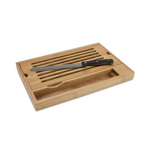 Brotschneidebrett Krümel, Bambus, Edelstahl Vorderansicht