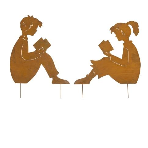 Gartenstecker lesende Kinder, Edelrost Gartendeko, Höhe ca. 60 cm Vorderansicht