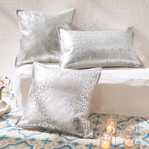 Kissenhülle mit Folienprint OMAN, mit silberfarbenem Folien-Print, 100% Baumwolle, ca. L40 x B40 cm bzw. L50 x B30 cm Katalogbild