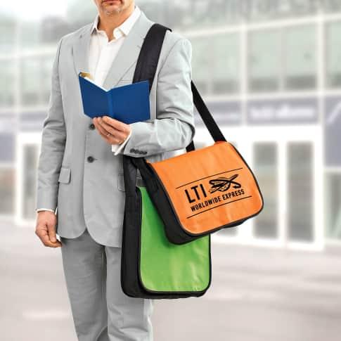 Non Woven College Tasche Querformat, Stiftschlaufen, Klettverschluss, Non Woven Katalogbild