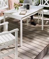 Outdoor-Tisch Landhaus, OUTDOOR geeignet, Landhausstil, Massives Kiefernholz (Ursprungsland: Estland) , ca. L135 x B77 x H72 Inszeniertes Bild