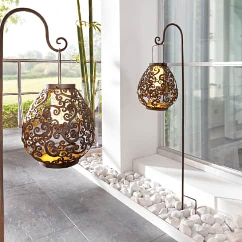 Solarleuchte Tropfen, mit Stab zum Aufhängen, Ornamente, 3 Warm Weiße LEDs, Antik-Look, Metall Inszeniertes Bild