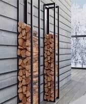 Kaminholzregal Line, zur Wandbefestigung, Eisen, ca. H160 x B25 x T25 cm Inszeniertes Bild