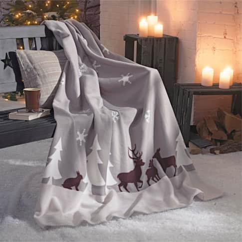 Fleecedecke Winterwald, 100% Polyester, ca. L180xB130 cm Inszeniertes Bild