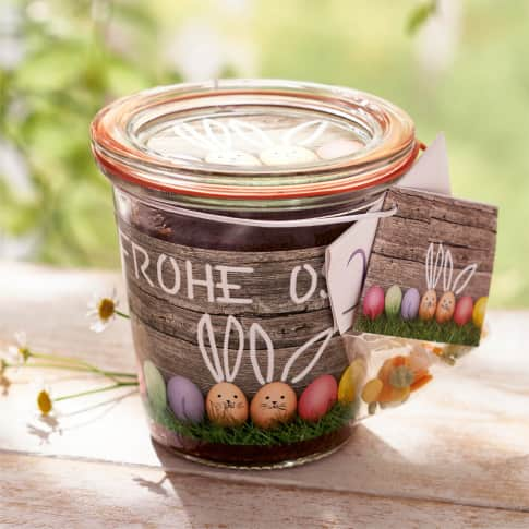 Kuchen im Glas Frohe Ostern Inszeniertes Bild