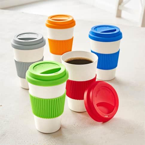 Kaffeebecher, 400 ml Bambus, Silikonbanderole Inszeniertes Bild