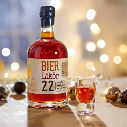 Bier Likör, 500 ml Inszeniertes Bild