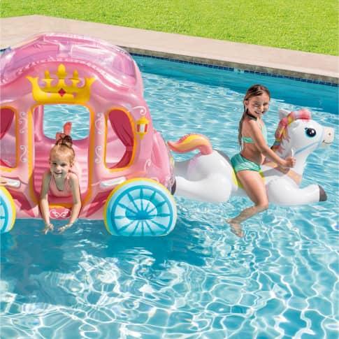 Aufblasbare Kutsche mit Pferd Princess Inszeniertes Bild