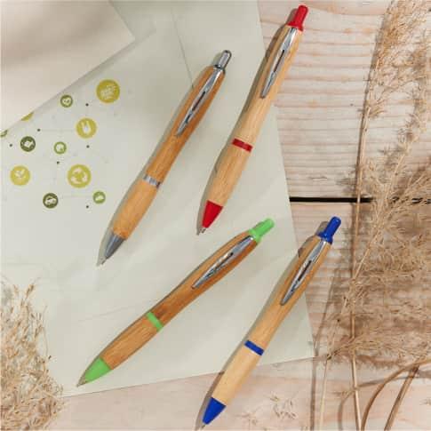 Kugelschreiber Cuba Bambus, blaue Kunststoffgrossraummine, Bambus Inszeniertes Bild