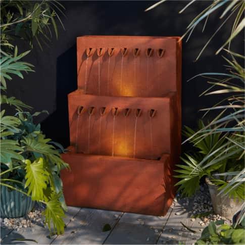 Outdoor-Brunnen Rost Inszeniertes Bild