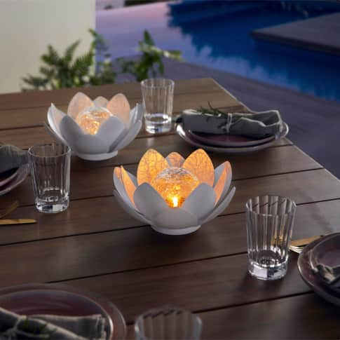 Solarleuchte Floris, Gartenbeleuchtung Lotusblüte, Metall, Glas, ca. Ø 25 cm Inszeniertes Bild