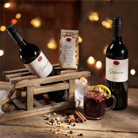 Geschenkset, roter Glühwein Schlitten, dekorativen Holzschlitten, Glühweingewürz im 100g Beutel Inszeniertes Bild