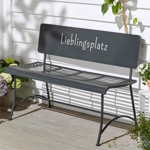 Outdoor-Bank Lieblingsplatz, Gartenbank mit Schriftzug in Rückenlehne, skandinavisch, Metall, ca. B115 cm Inszeniertes Bild