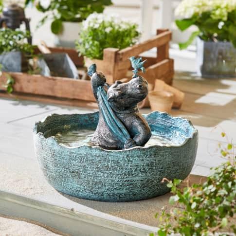 Vogeltränke Relax Hippo Inszeniertes Bild