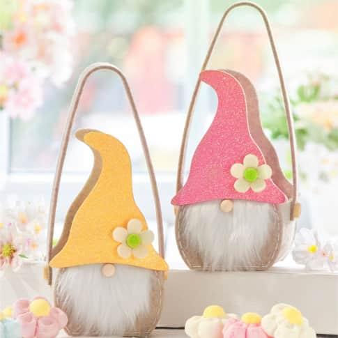 Präsenttasche, mit Füllung Frühlingswichtel, Schaumzucker Blumen, Glitzermütze Inszeniertes Bild