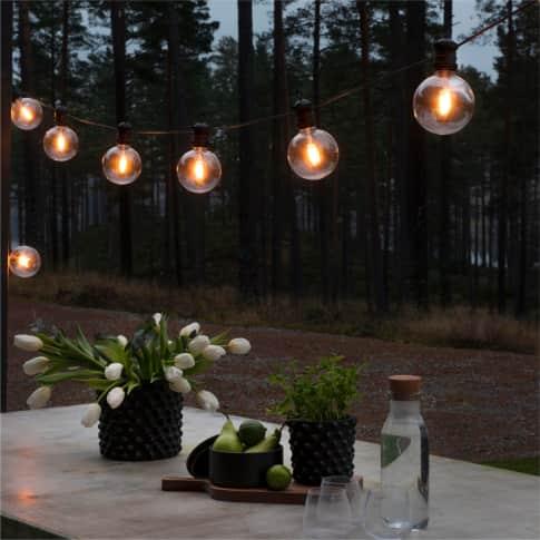 LED-Lichterkette Orb, 10 Dioden, batteriebetrieben, Outdoor geeignet, Retro-Look, Kunststoff, ca. L1450 cm Inszeniertes Bild