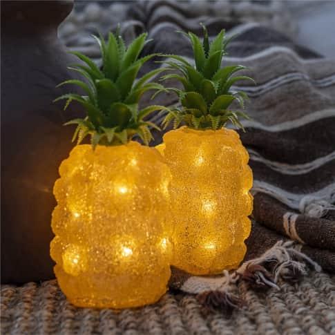 LED-Deko-Figur Ananas, 16 Dioden, warmweiß, Outdoor geeignet, Kunststoff, ca. H26 cm Inszeniertes Bild